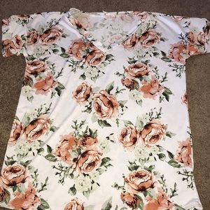 Floral boutique top